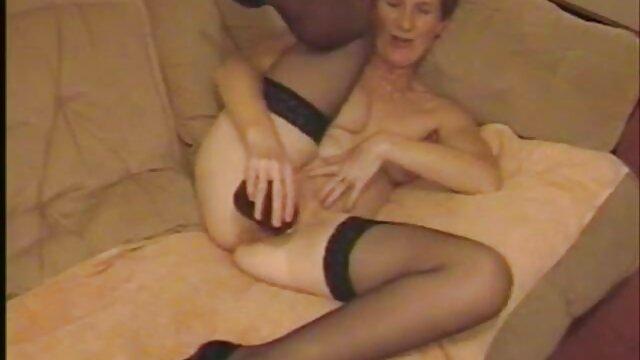 Zoe 18 & Pi 20 duschen & kurze schwarze haare porno saugen zusammen thaigirltia.com