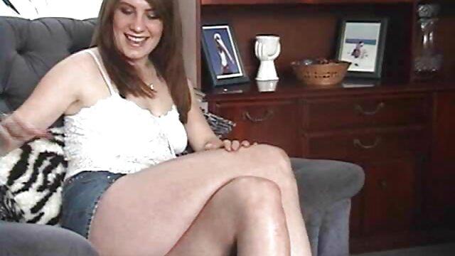 Sara kurze pornos kostenlos und so ins Bett