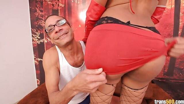 Sexy kurz haar porno Brünette masturbiert