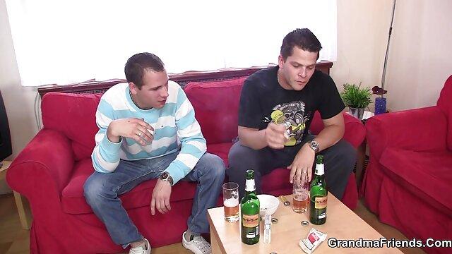 Lexi & Deja - zwei kurze pornofilme Brünetten heißen Mund