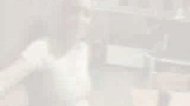Mädchen in Dessous: Evelyn & Kara. ficken kurze haare