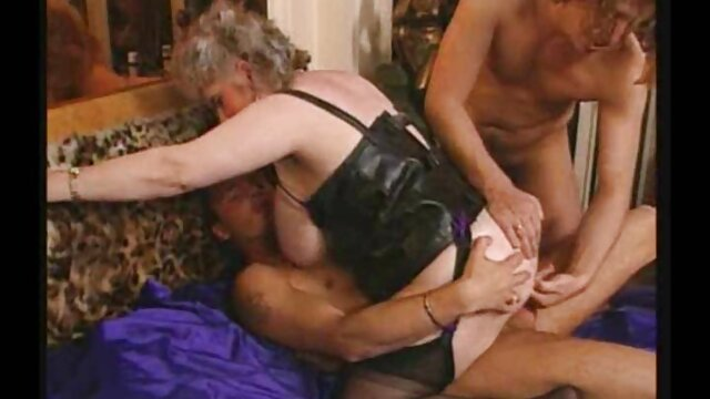Omar in sex mit kurzhaarigen frauen Nicki