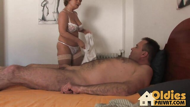 Reifer kurze porno clips roter Kopf nimmt Black Cock Cream Pie
