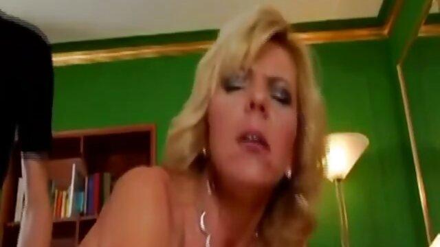 Lovette nimmt 2 kurze porno clips harte Coks