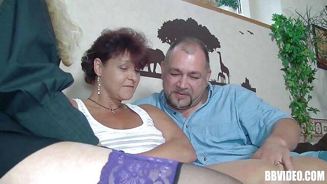 Lustvolle xxx kurze haare Oma